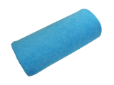 Repose main bleu